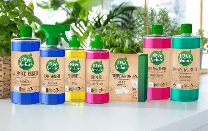 Love Nature Sortiment zur umweltfreundlichen Reinigung von Bad, Küche und Haushalt.