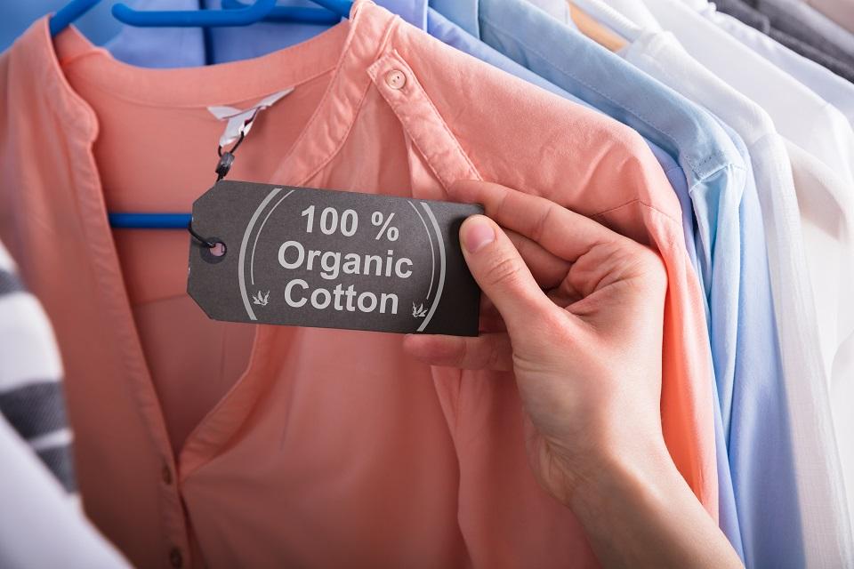 """Etikett mit der Aufschrift """"100 Prozent Biobaumwolle"""""""