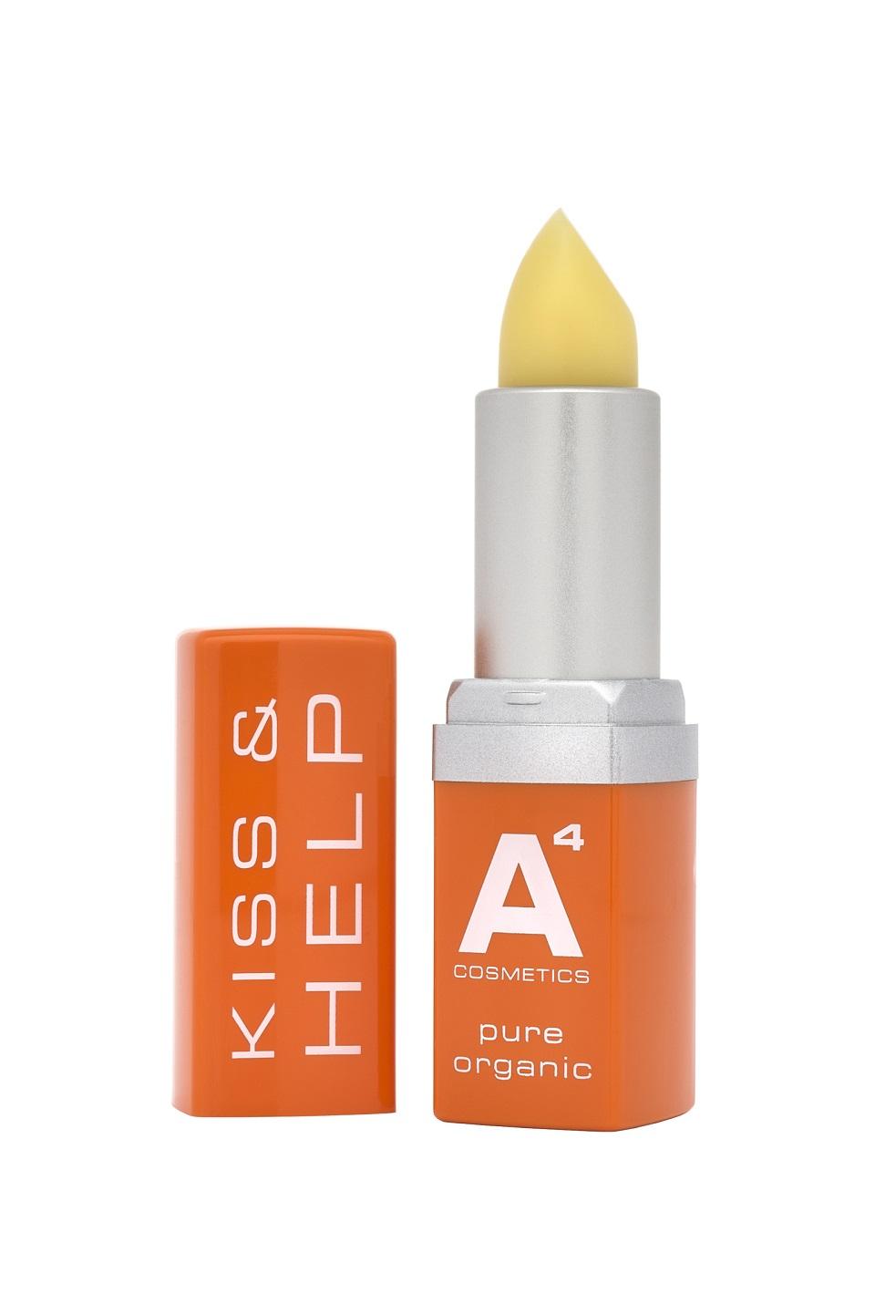 Der Kiss & Help Lip Balm von A4 Cosmetics ist in einer Verpackung in grellem Orange und Silber verpackt, die aus wiederverwertetem Plastik besteht.