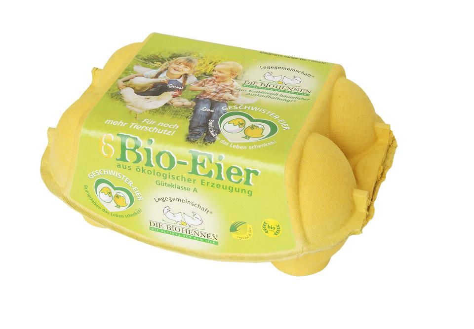 Die Geschwistereier von Die Biohennen erkennt man an der gelben Verpackung und dem herzförmigen Logo, in dem ein skizziert ein männliches und ein weibliches Logo zu sehen sind.