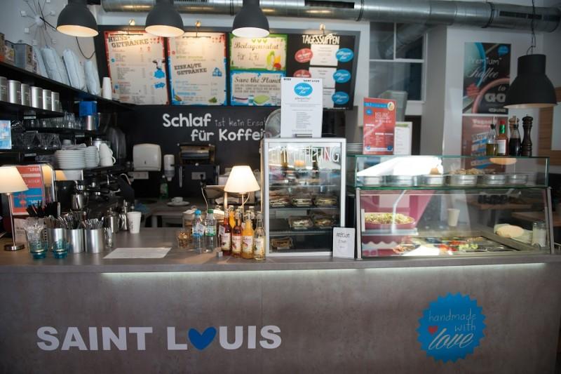 Mit seiner modernen Einrichtung und den frisch zubereiteten Speisen mit Zutaten aus der Region wurde das Kölner Restaurant Saint Louis schnell zum beliebten Treffpunkt.