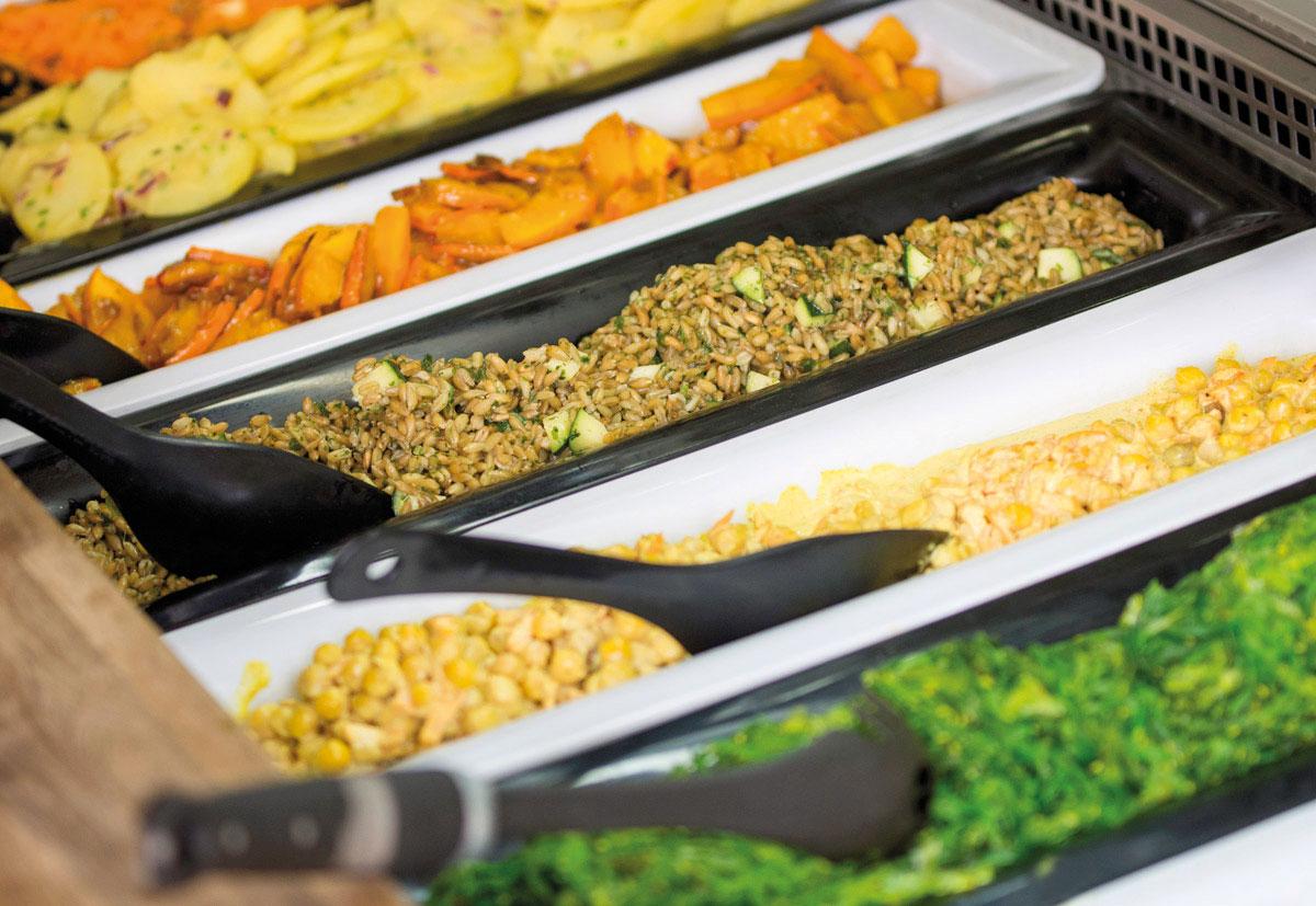 Frische Toppings wie Maus, Kartoffeln und Süßkartoffeln stehen im Vitalbistro Leichtsinn in salzburg zur Auswahl.