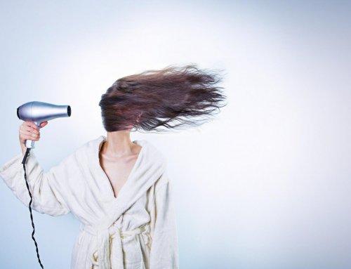 Bye Bye, Silikone & Co. – so gelingt der Umstieg auf natürliche Haarpflege