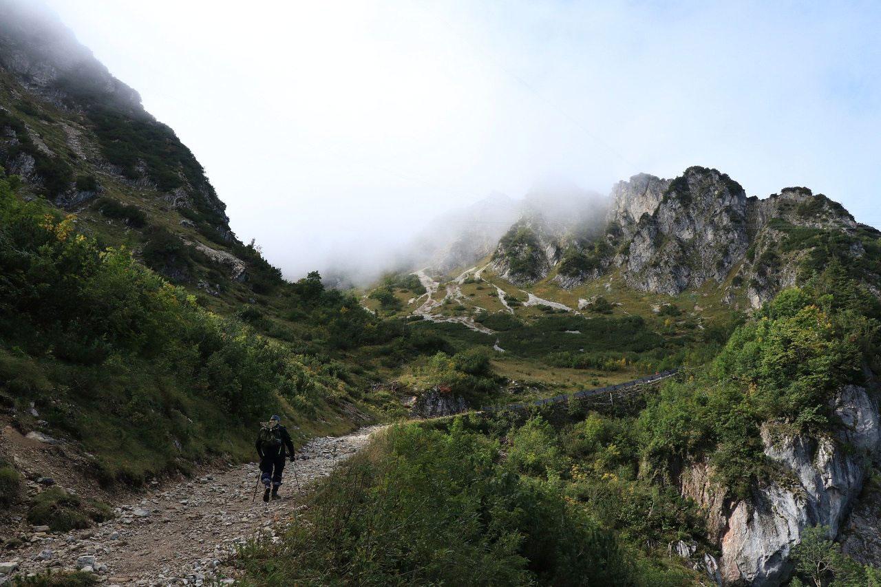 Wandern in Deutschland bietet abwechslungsreiche Erholung.